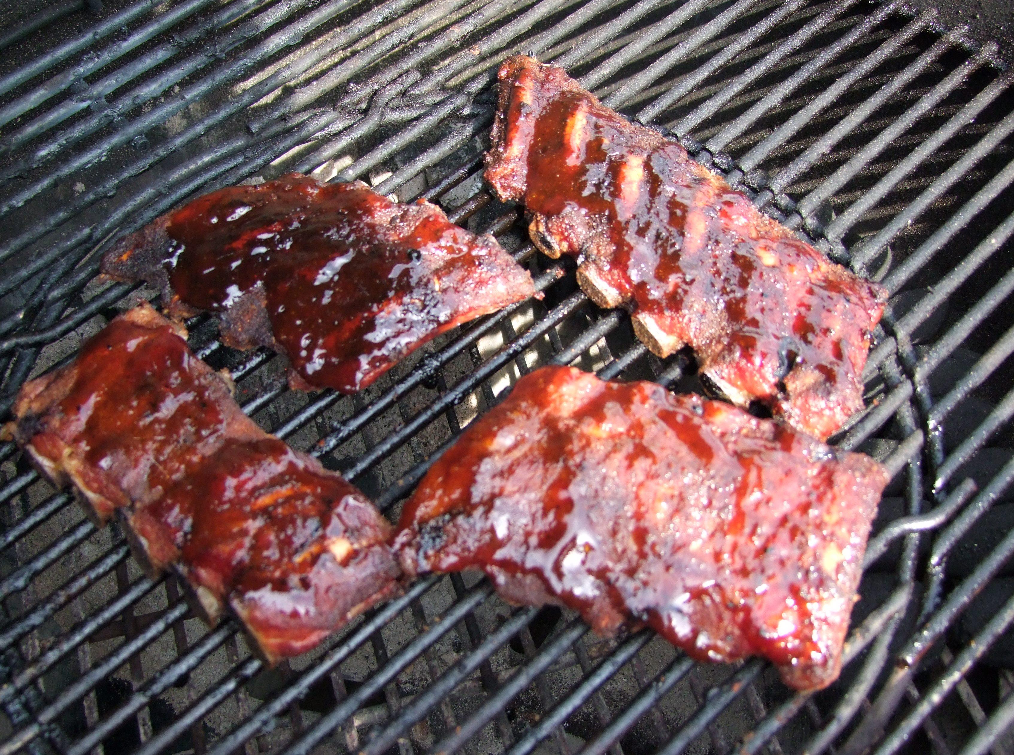 Spareribs Gasgrill Ohne Räuchern : 3 2 1 spareribs grillguennie ein klassiker aus der barbecue szene